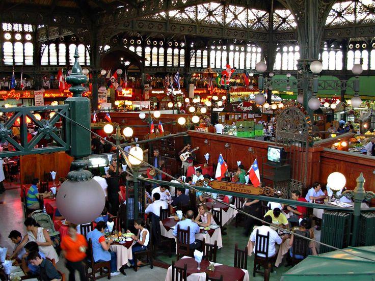 Comer no Mercado Central de Santiago do Chile