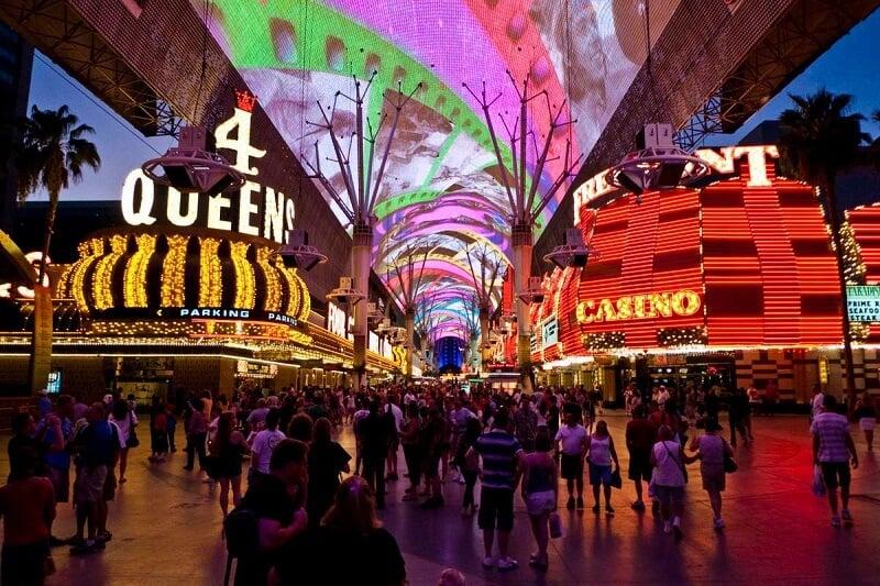 O que fazer em Las Vegas: Fremont Street Experience
