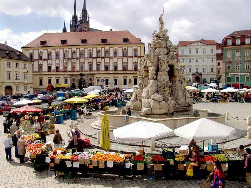 O que fazer em Brno: Praça do Mercado Repolho