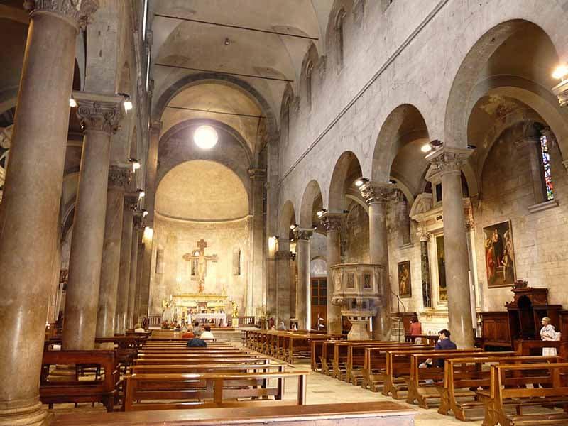 O que fazer em Lucca: Igreja de São Miguel