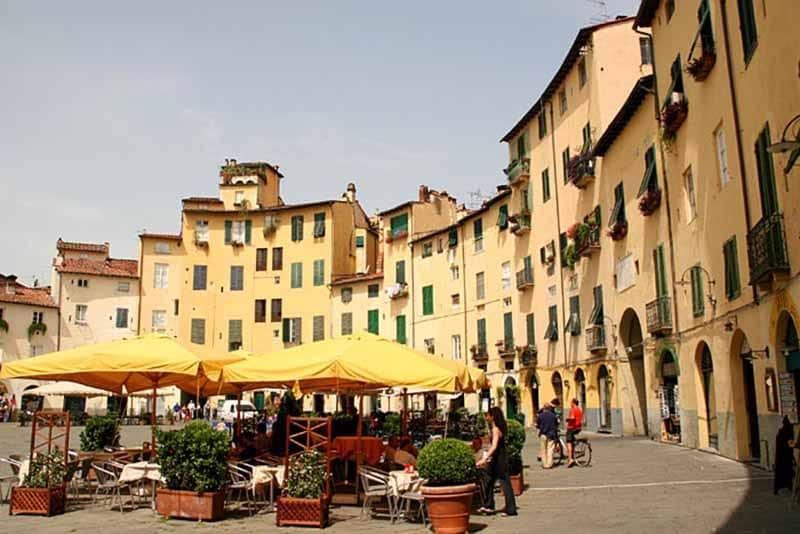 O que fazer em Lucca: Praça Napoleão