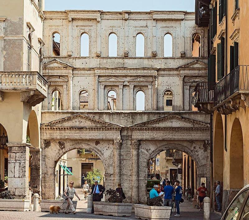 O que fazer em Verona: Porta Borsari