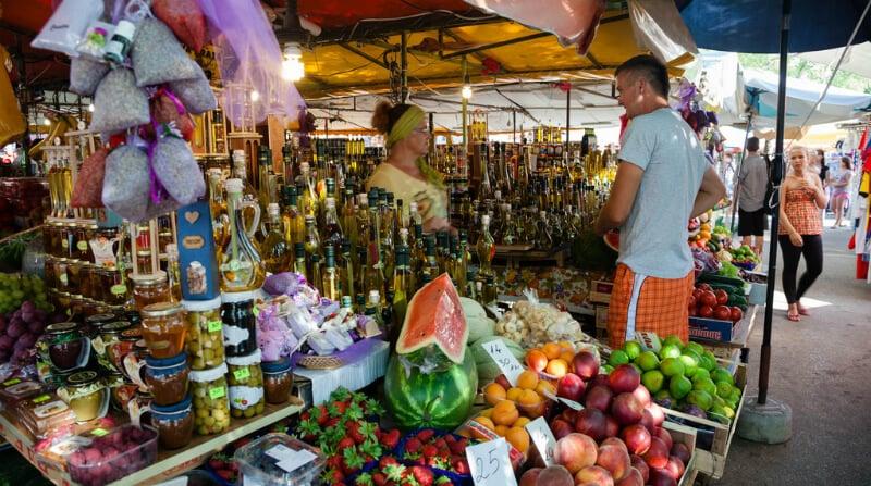 O Que Fazer em Trogir: Farmers Market